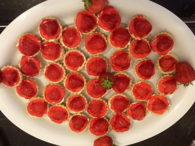 StrAWBERRY_TARTS.jpg